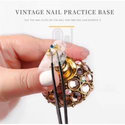 Vintage nail tip
